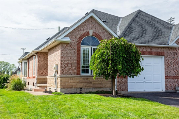 123 St. Lawrence Drive, Welland