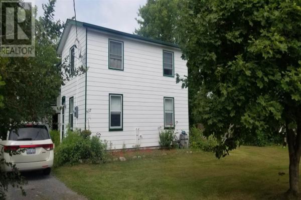 637 Collins Bay RD, Kingston