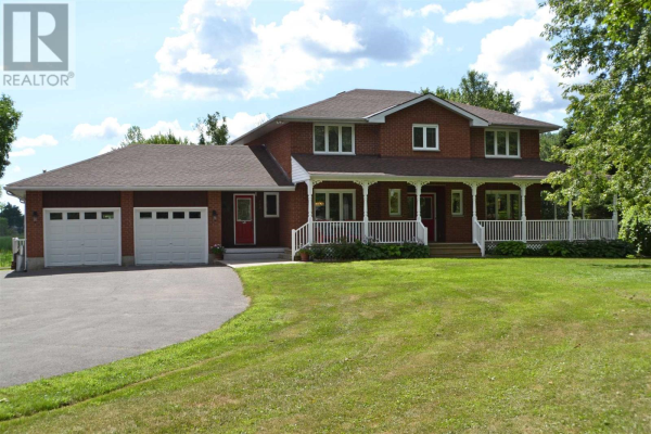 8700 County Road 2, Greater Napanee