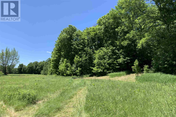 216 County Road 16, Stone Mills