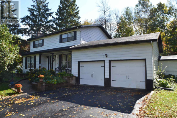 92 River RD, Greater Napanee