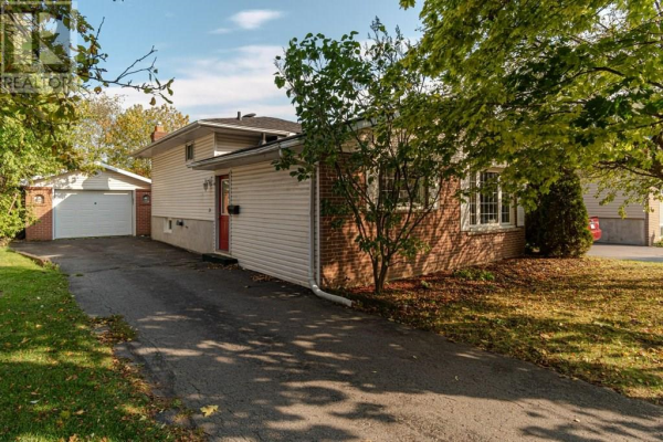 99 Calderwood Drive, Kingston