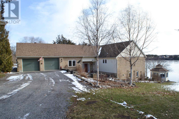 4999 County Road 9, Greater Napanee
