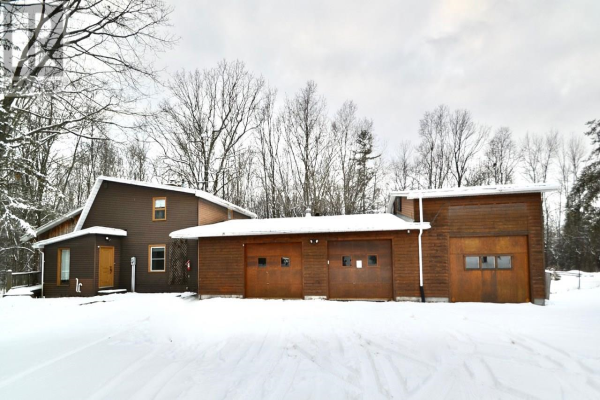 302 County Road 4, Loyalist