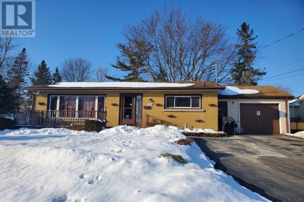 55 Henry CRES, Amherstview