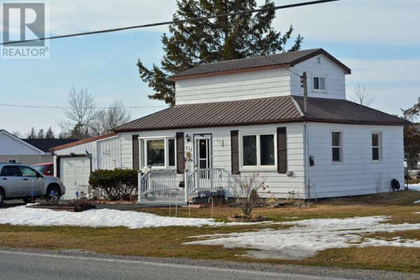 735 Caton RD, Loyalist Township