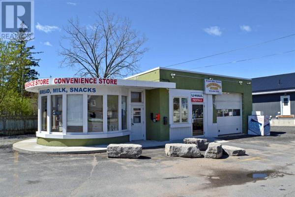 200 Belleville RD, Napanee