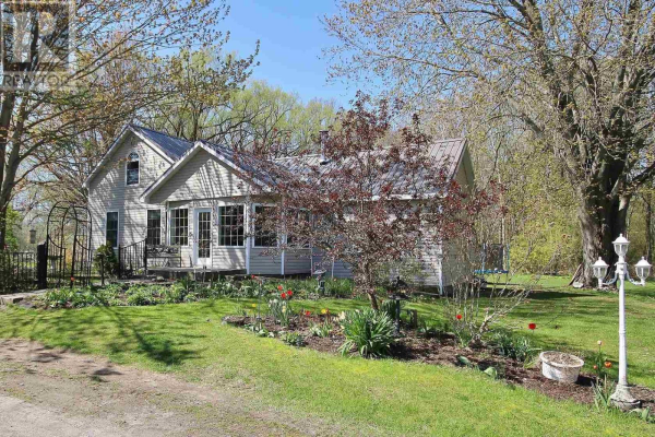 910 County Road 12, Picton