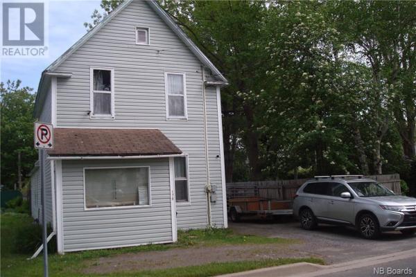 176 Pine Street, Fredericton