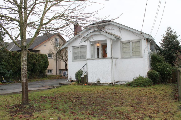1516 TENTH AVENUE, New Westminster