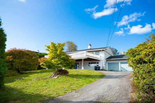 667 BAYCREST DRIVE, North Vancouver