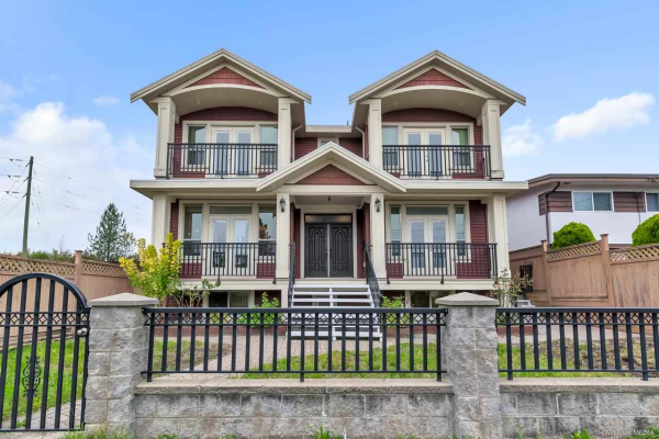2117 NINTH AVENUE, New Westminster