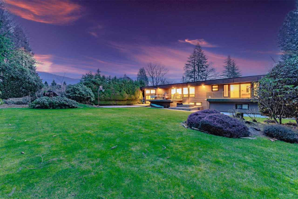 655 FAIRWAY DRIVE, North Vancouver