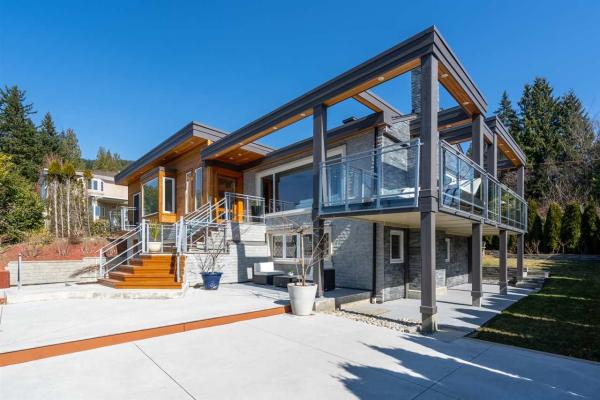 3954 PROSPECT ROAD, North Vancouver