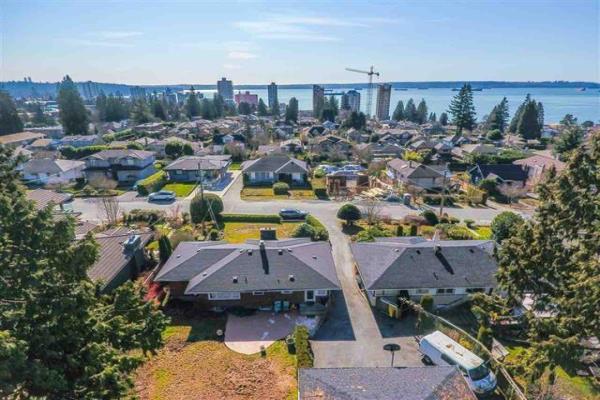 2255 JEFFERSON AVENUE, West Vancouver
