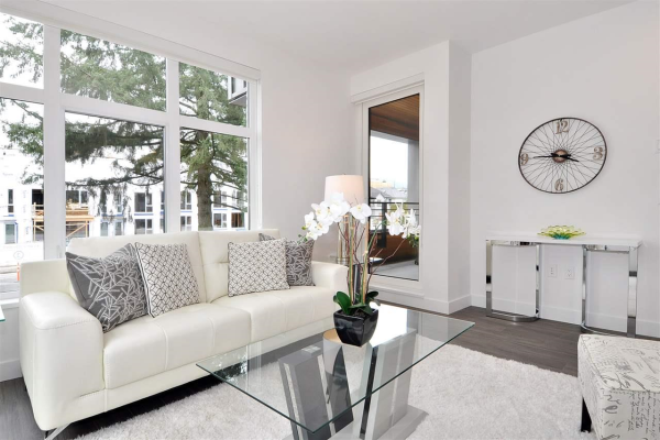 204 733 E 3RD STREET, North Vancouver