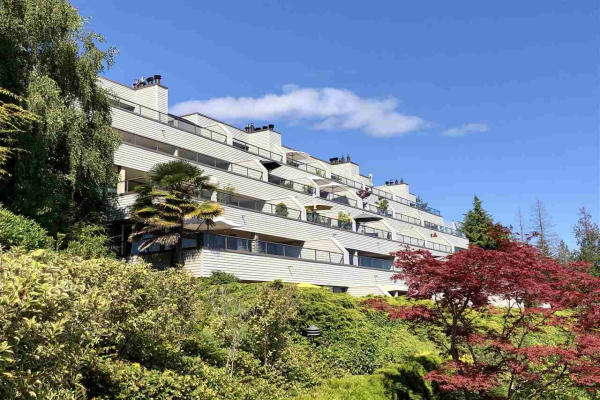 12 2246 FOLKESTONE WAY, West Vancouver