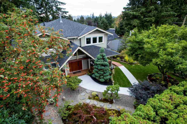 579 W 22ND STREET, North Vancouver