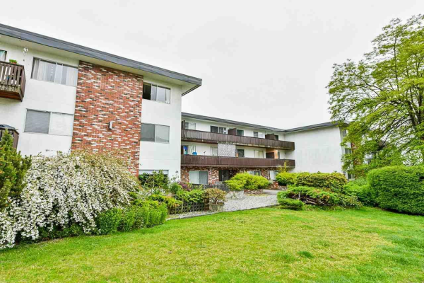 304 910 FIFTH AVENUE, New Westminster