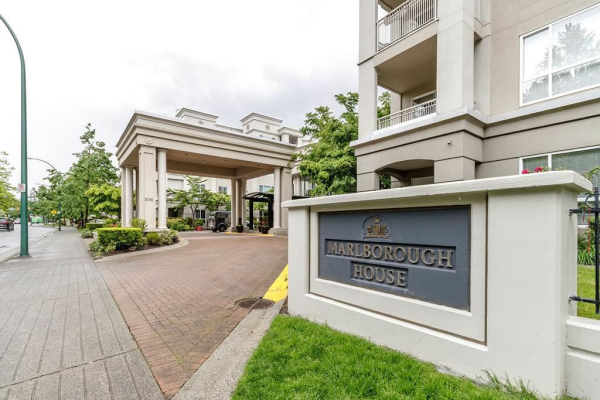 404 3098 GUILDFORD WAY, Coquitlam
