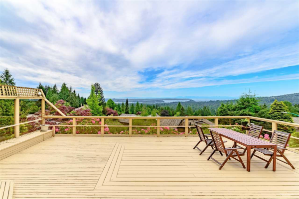 5152 MADEIRA COURT, North Vancouver