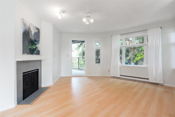 411 121 W 29TH STREET, North Vancouver