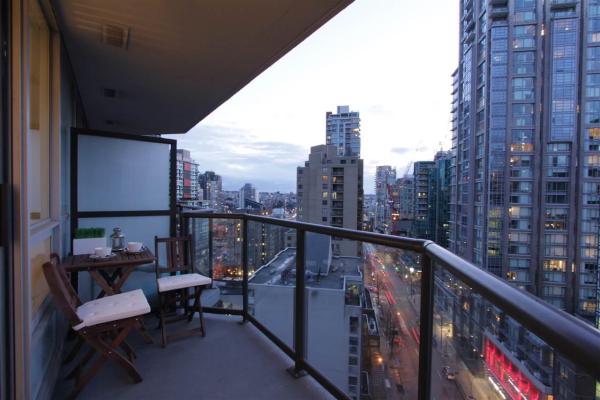 1605 1212 HOWE STREET, Vancouver