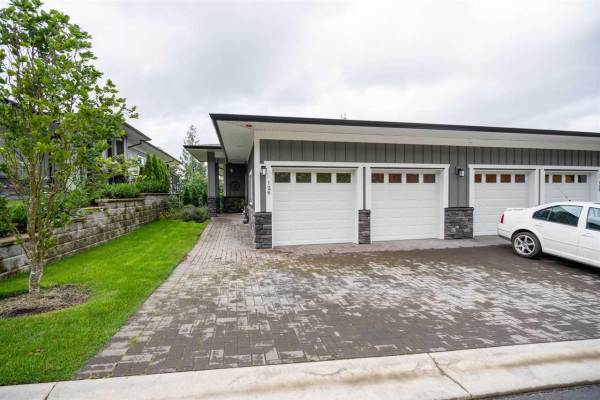 126 51096 FALLS COURT, Chilliwack
