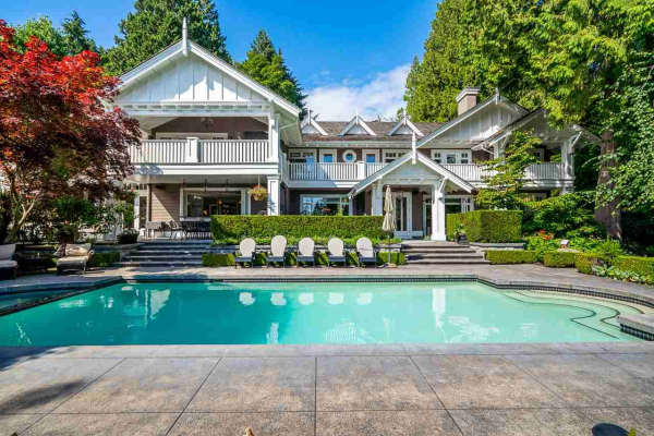 3061 MATHERS AVENUE, West Vancouver