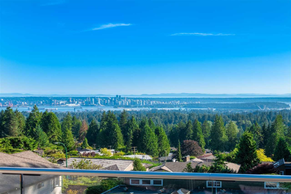 5181 MADEIRA COURT, North Vancouver
