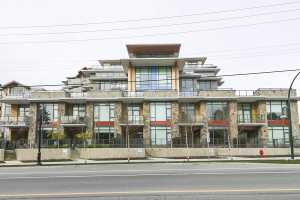 2767 MOUNTAIN HIGHWAY, North Vancouver