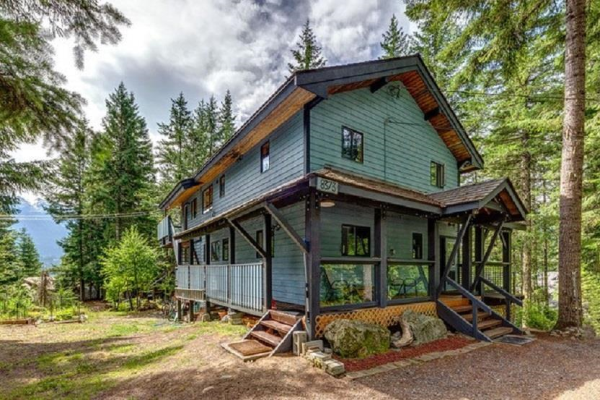 8373 VALLEY DRIVE, Whistler