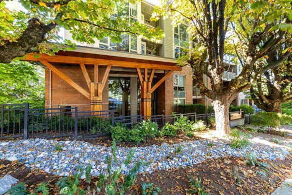 302 159 W 22ND STREET, North Vancouver