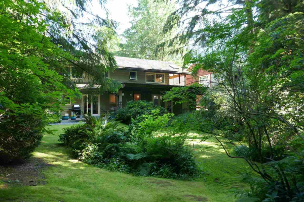 937 MONTROYAL BOULEVARD, North Vancouver