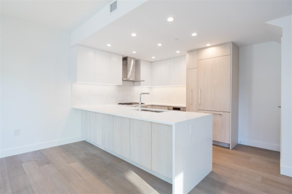 TH1 230 CHESTERFIELD AVENUE, North Vancouver