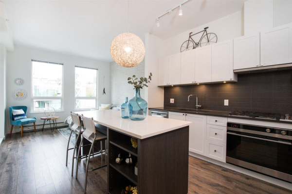 406 105 W 2ND STREET, North Vancouver