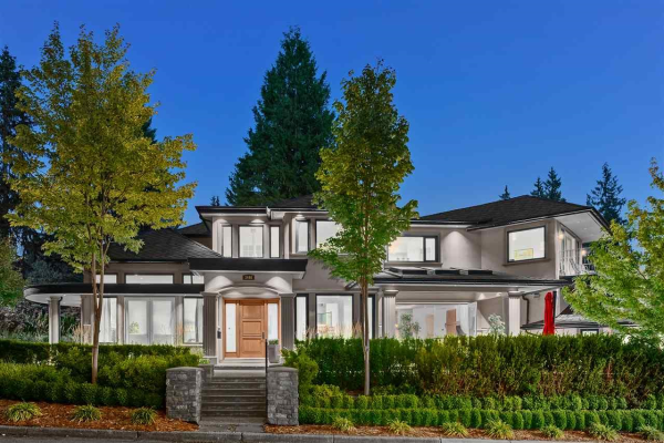 3498 SUNSET BOULEVARD, North Vancouver
