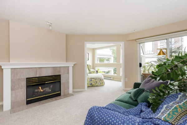 306 2105 W 42ND AVENUE, Vancouver