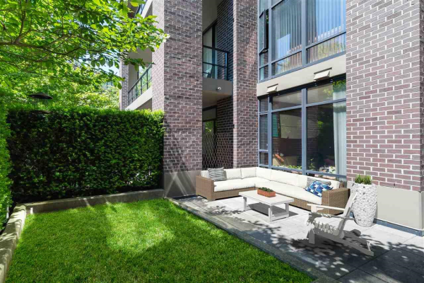 101 151 W 2ND STREET, North Vancouver