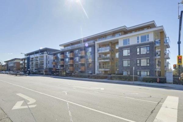 220 221 E 3 STREET, North Vancouver