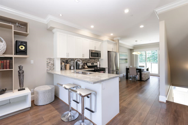 318 SEYMOUR RIVER PLACE, North Vancouver