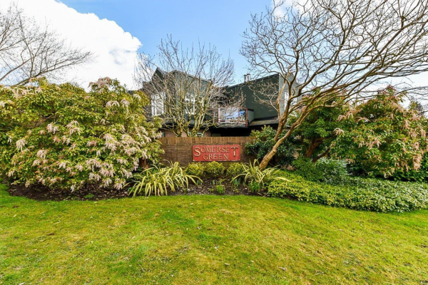 313 2800 CHESTERFIELD AVENUE, North Vancouver