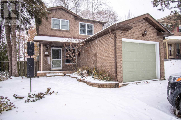 52 FOX RUN, Barrie