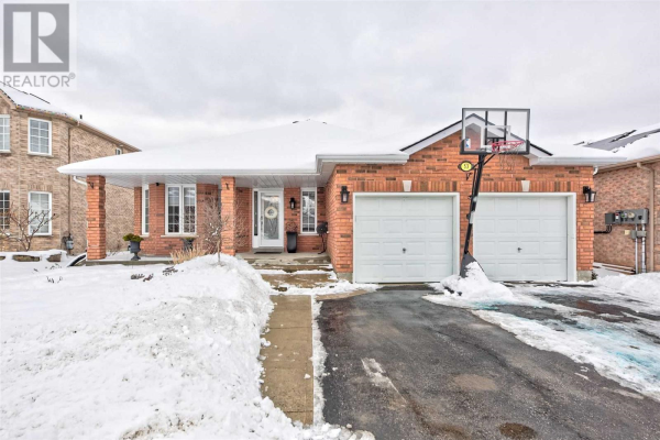 53 CARLEY CRES, Barrie