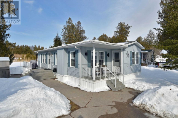 3 ST JAMES PL, Wasaga Beach