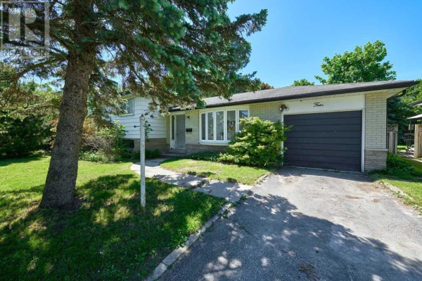 4 CURTISS CRT, Barrie