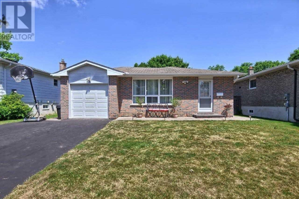 18 COLLEGE CRES, Barrie