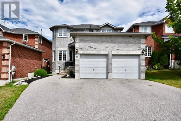 11 SILVER TR, Barrie