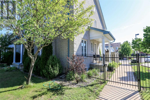 13 SILVER MAPLE CRES, Barrie