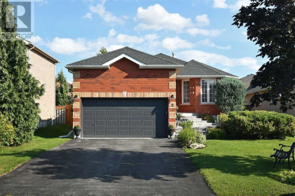 5 MANOR GATE, Barrie